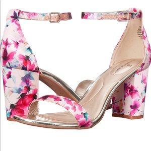 Bandolino floral heel sandals 6.5 Armory